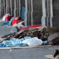 Decenas de personas duermen en las calles luego del cierre del Parador Parque Avellaneda