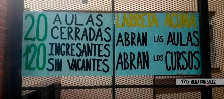 Denuncian que más de 100 chicos quedaron sin vacantes en el Rogelio Yrurtia