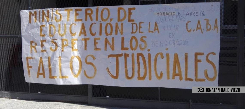 La comunidad educativa del Rogelio Yrurtia reclama las vacantes
