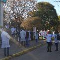 Trabajadores del Hospital Santojanni reclaman materiales de protección